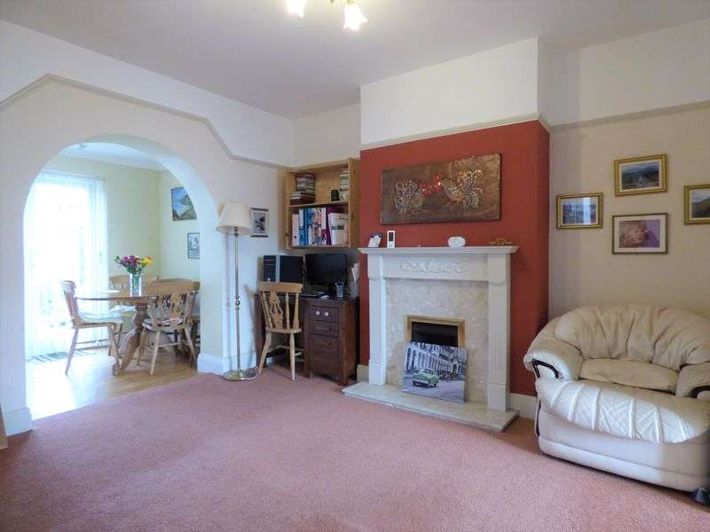 3 Bedrooms Property for sale in Ashton Drive, Lancaster