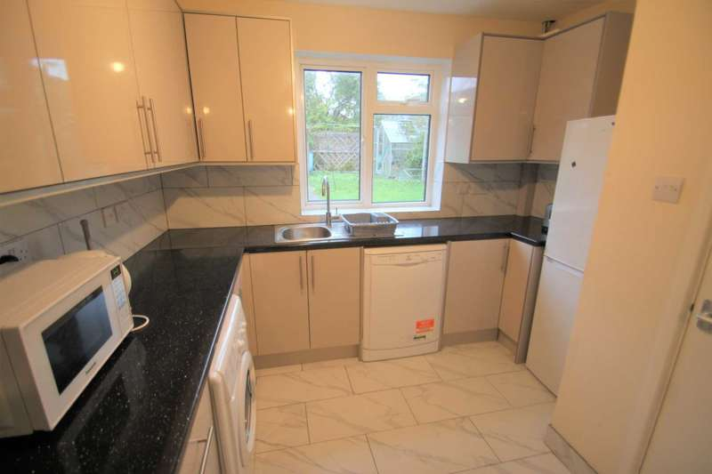 5 Bedrooms House for rent in Warren Crescent, Headington **Sharers Property**