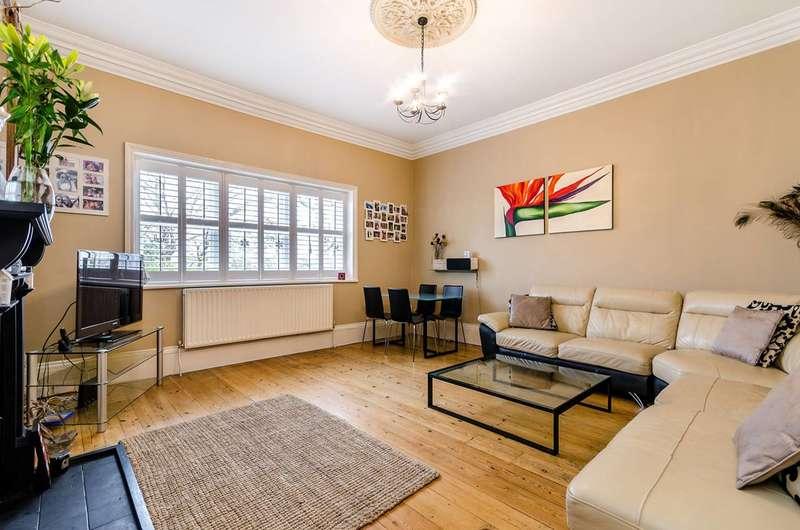 3 Bedrooms Maisonette Flat for rent in Beckenham Lane, Shortlands, BR2