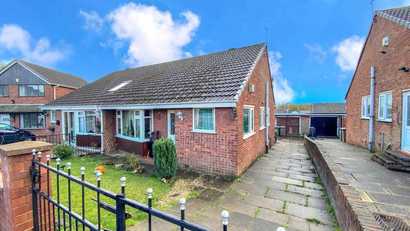 3 Bedrooms Semi Detached House for sale in Conway Drive, Newton Le Willows