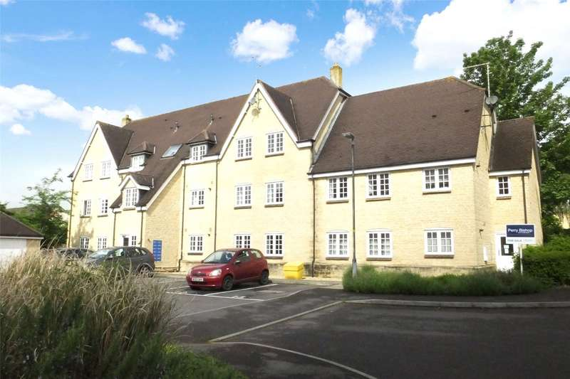 3 Bedrooms Penthouse Flat for rent in Courthouse Road, Tetbury, GL8