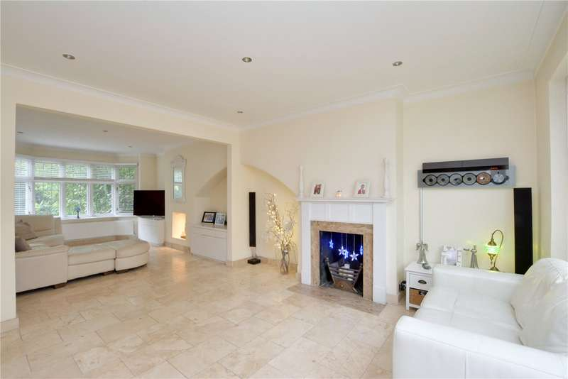4 Bedrooms Semi Detached House for sale in College View, Eltham, London, SE9