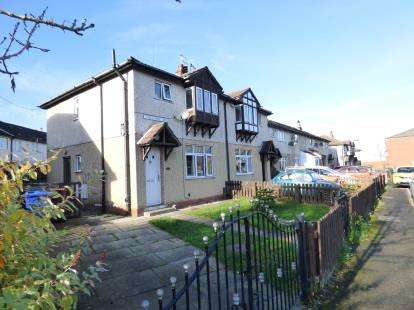 3 Bedrooms Semi Detached House for sale in Thirlmere Avenue, Burnley, Lancashire