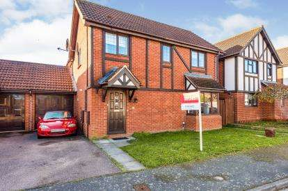 4 Bedrooms Detached House for sale in Millwright Way, Flitwick, Bedford, Bedfordshire