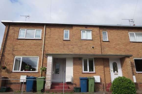 2 Bedrooms Flat for rent in West Close, Stone, Staffordshire