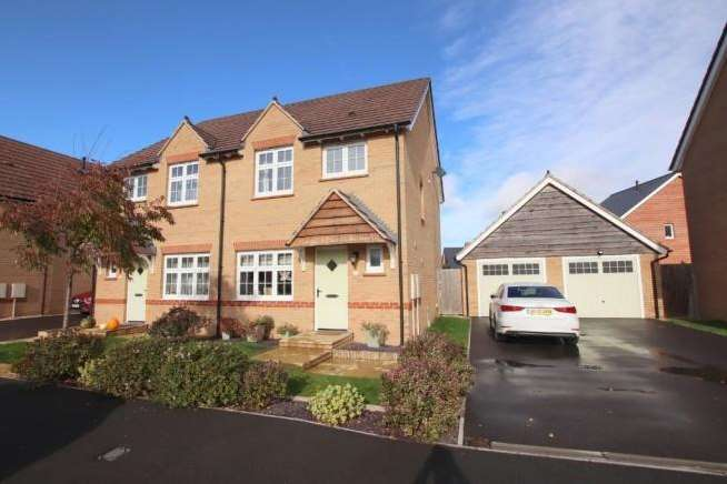 3 Bedrooms Property for sale in Orchard Place, Bathpool, Taunton
