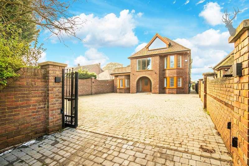 5 Bedrooms House for rent in Hoe Lane, Abridge, Romford