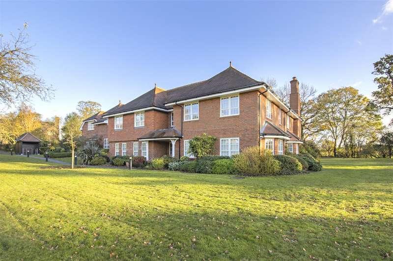 3 Bedrooms Apartment Flat for sale in Holbrook Gardens, Aldenham