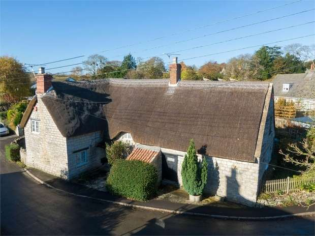 4 Bedrooms Detached House for sale in Water Lane, Butleigh, Somerset