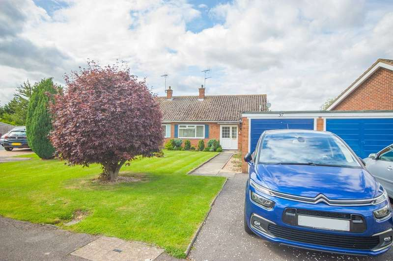 2 Bedrooms Semi Detached Bungalow for sale in Orford Crescent, Old Springfield, Chelmsford, CM1