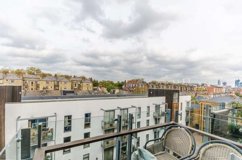 2 Bedrooms Flat for sale in Alexandra Avenue, Battersea Park, SW11