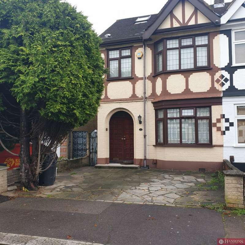 4 Bedrooms House for rent in Ilfracombe Gardens, Chadwell Heath, RM6