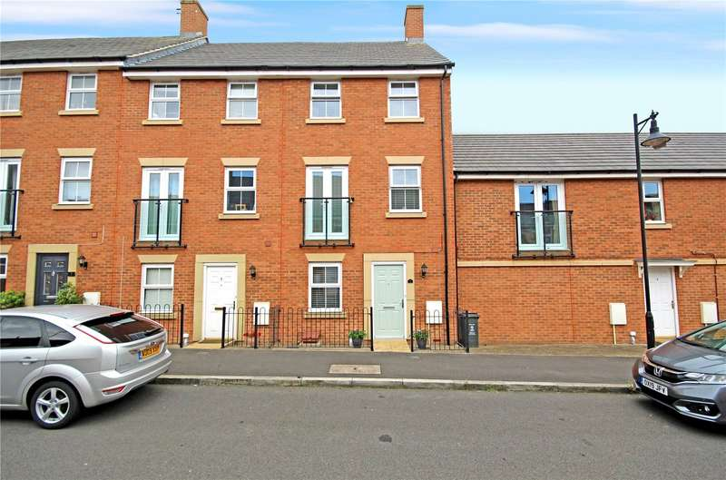 4 Bedrooms Terraced House for rent in Wharncliffe Street, Redhouse, Swindon, Wiltshire, SN25