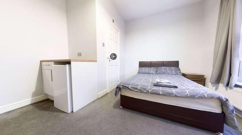 1 Bedroom Parking Garage / Parking for rent in Carr House Road, Doncaster, South Yorkshire, DN1