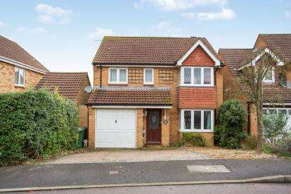 4 Bedrooms Detached House for sale in Clanfield, Waterlooville, Hampshire
