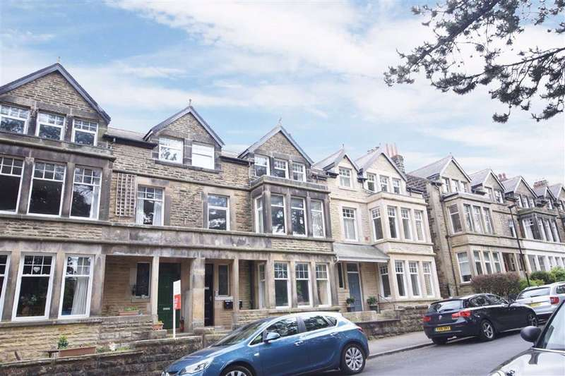 2 Bedrooms Apartment Flat for rent in Harlow Moor Drive, Harrogate, North Yorkshire