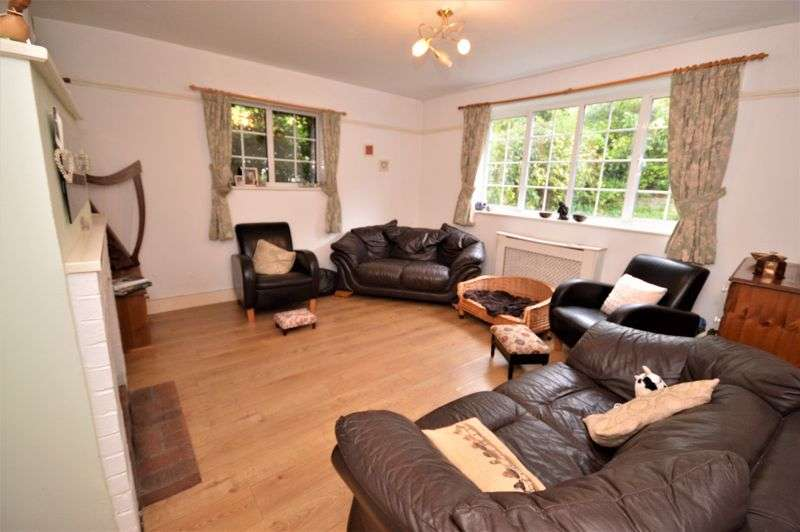 2 Bedrooms Property for sale in 18 Woodlands Lane, Haslemere