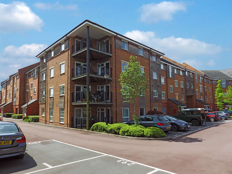 2 Bedrooms Apartment Flat for rent in Thistle House, Swindon, Wiltshire