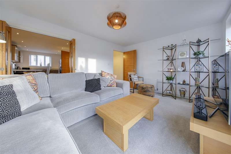 4 Bedrooms Town House for sale in Lawson Close, Crawshawbooth, Rossendale