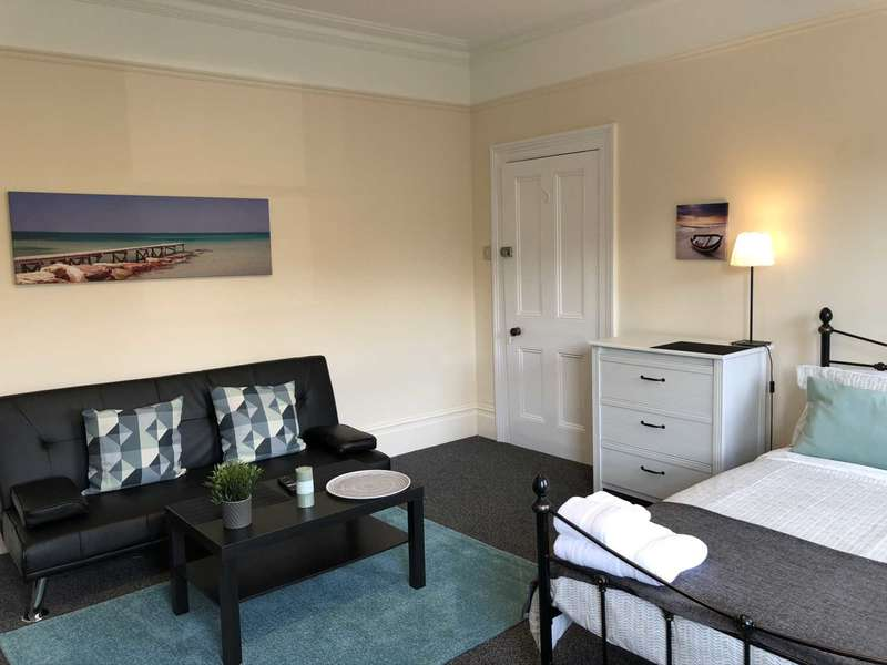 1 Bedroom House Share for rent in Room 3, 85 Epsom Road, Guildford Town Centre, GU1 3PA