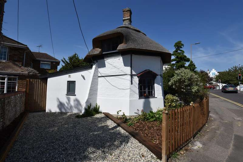 1 Bedroom Cottage House for sale in Haven Road, Canvey Island