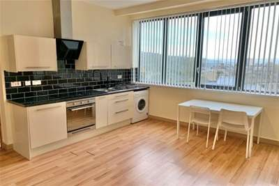 1 Bedroom Flat for rent in Southgate House. Halifax