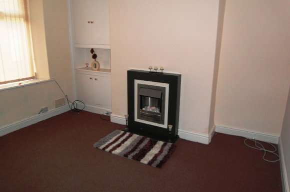 2 Bedrooms Terraced House for rent in Bright Street