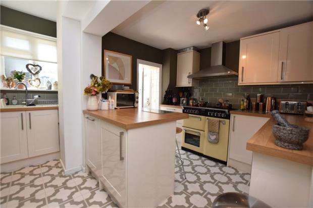 3 Bedrooms Terraced House for sale in Neale Road, Halstead, Essex
