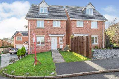 4 Bedrooms Detached House for sale in Copperfield Vale, Clayton-Le-Woods, Chorley, Lancashire