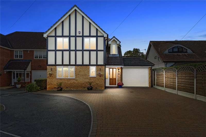 4 Bedrooms Detached House for sale in Haynes Road, Hornchurch, RM11