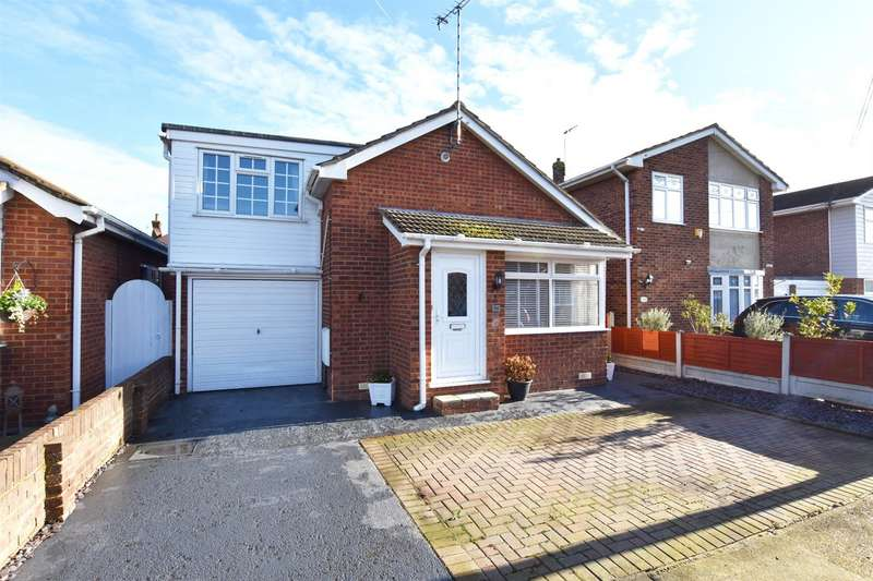 3 Bedrooms Detached Bungalow for sale in Westwood Road, Canvey Island