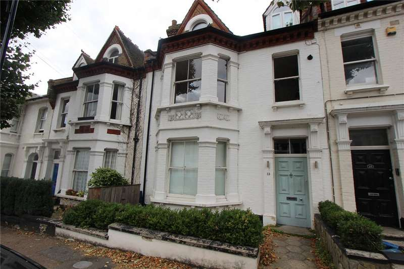 2 Bedrooms Flat for rent in Marine Avenue, Westcliff-on-Sea, Essex, SS0
