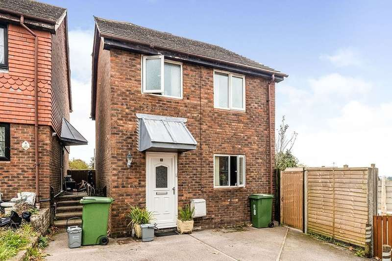 3 Bedrooms Detached House for rent in Rapson Close, Paulsgrove, Portsmouth, PO6
