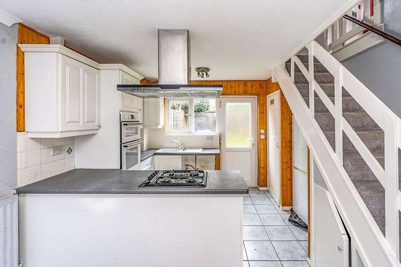 3 Bedrooms Property for rent in Silverspot Close, Rainham, Gillingham, ME8