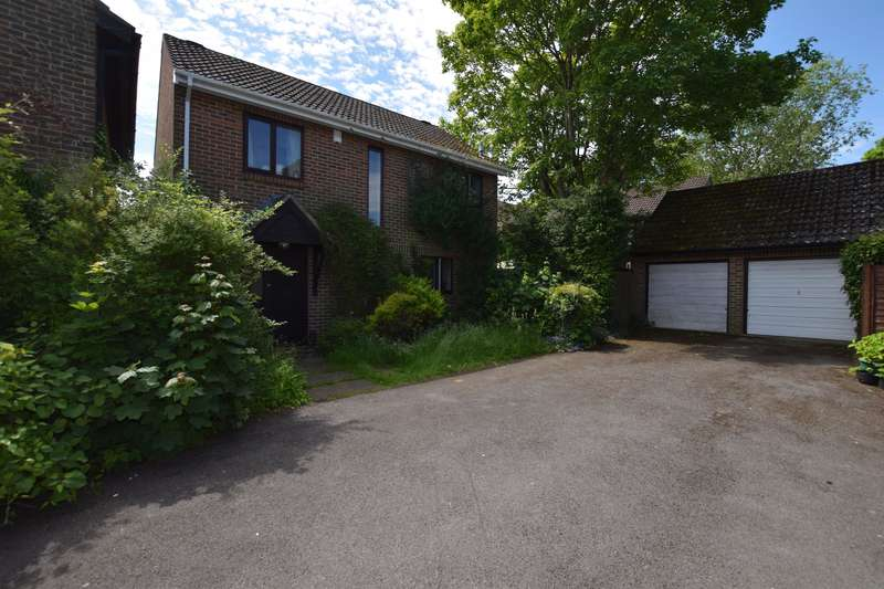 4 Bedrooms Detached House for rent in Nursery Gardens, Winchester, SO22 5DT
