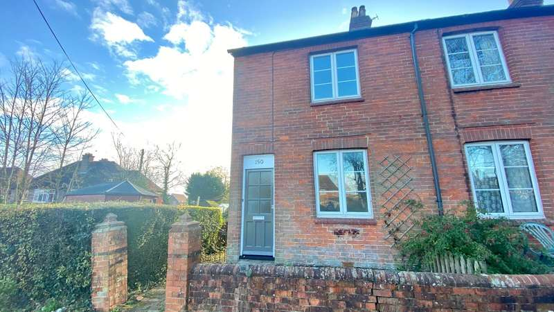 2 Bedrooms End Of Terrace House for rent in The Causeway, Petersfield