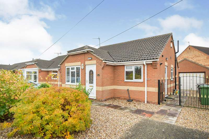 2 Bedrooms Detached Bungalow for sale in Aldergrove Crescent, Lincoln, Lincolnshire, LN6