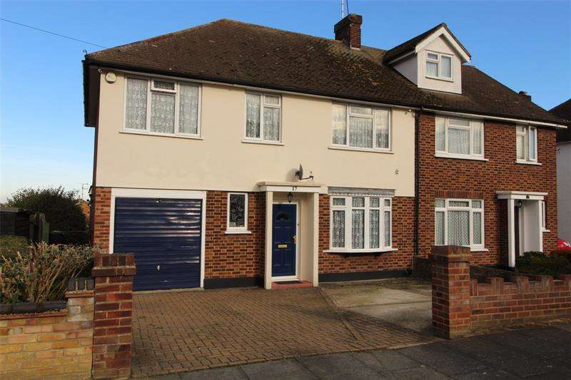 4 Bedrooms Semi Detached House for sale in Mountain Ash Avenue, Leigh-on-Sea, Essex, SS9
