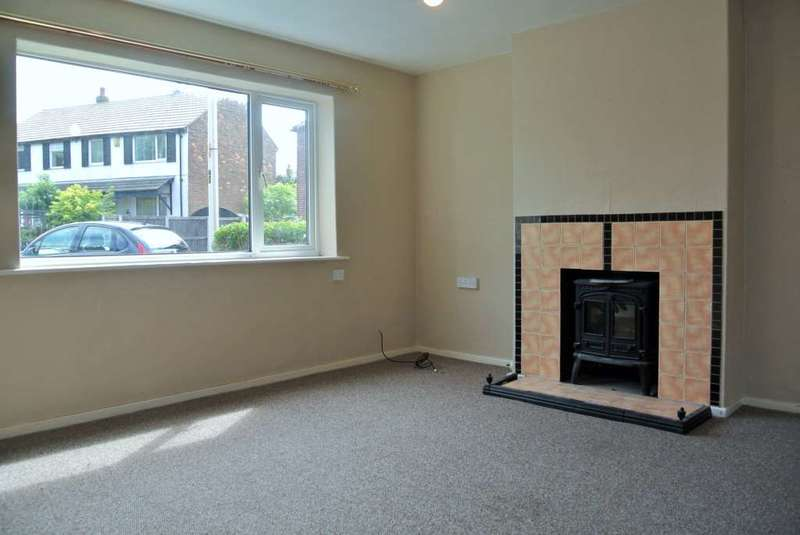 3 Bedrooms House for rent in Troughton Crescent, Blackpool, FY4 4BB
