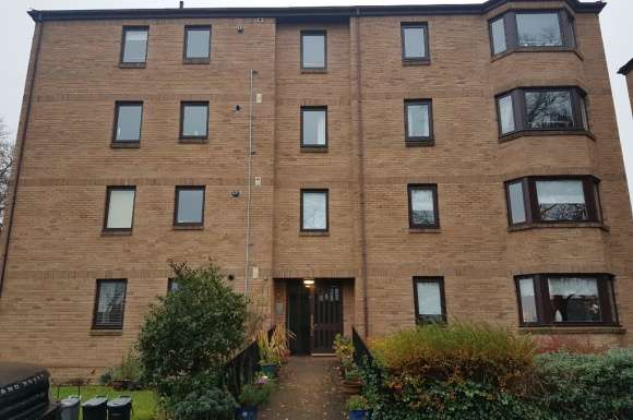 2 Bedrooms Flat for rent in Craigend Park, Liberton, Edinburgh, EH16