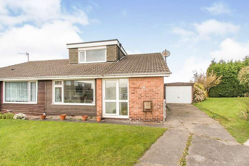 4 Bedrooms Semi Detached Bungalow for sale in Wharfedale Rise, Tingley, Wakefield, West Yorkshire, WF3