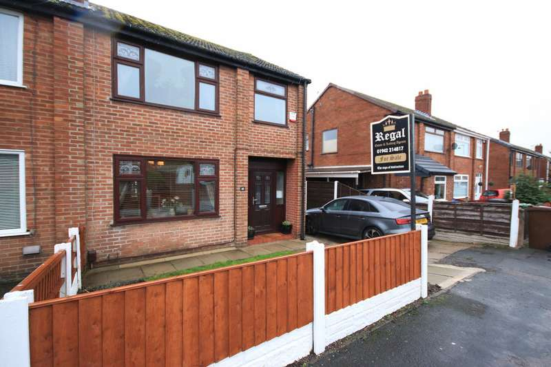 3 Bedrooms Semi Detached House for sale in Grant Road, Hawkley Hall, Wigan, WN3 5JN