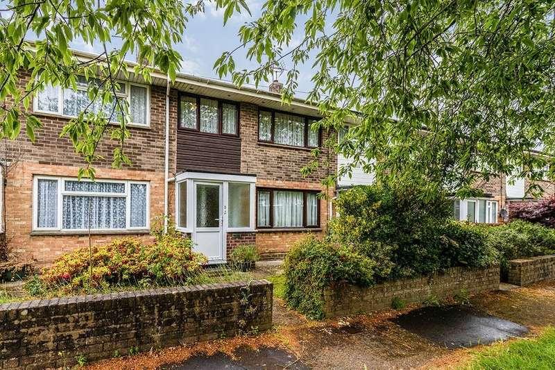2 Bedrooms Property for rent in Passfield Walk, Havant, PO9