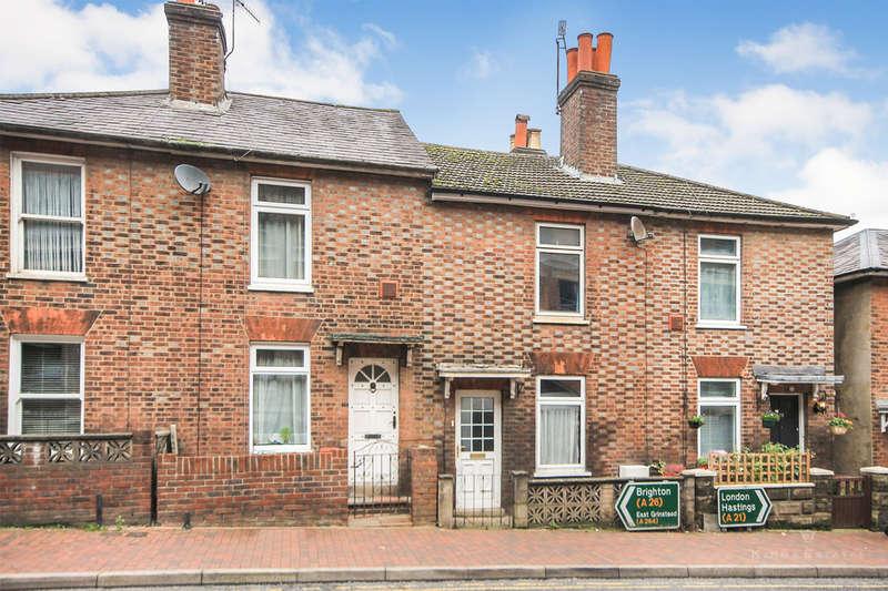 2 Bedrooms Terraced House for rent in Victoria Road, Tunbridge Wells