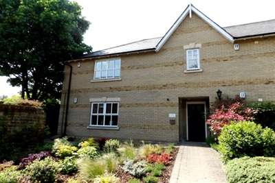 2 Bedrooms Flat for rent in Clarence House, 212 New London Road, Chelmsford, CM2 9AE