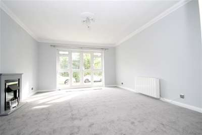 2 Bedrooms Flat for rent in Westmoreland Road, Bromley BR2
