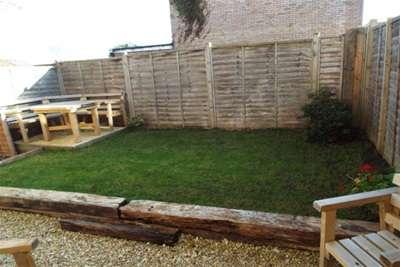 2 Bedrooms Flat for rent in Galmington, Taunton