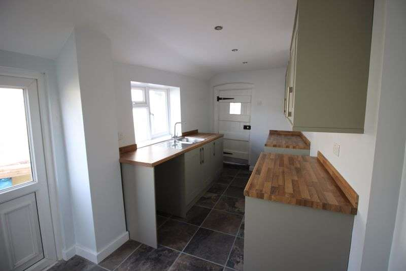 3 Bedrooms Property for rent in Cinderhill Street, Monmouth