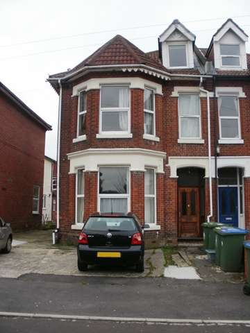 8 Bedrooms Semi Detached House for rent in Alma Road - Portswood - Southampton