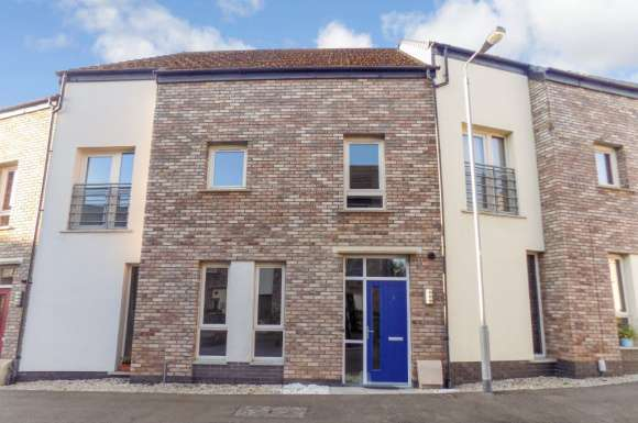 3 Bedrooms Property for rent in Badgers Lane , Lisburn, BT28